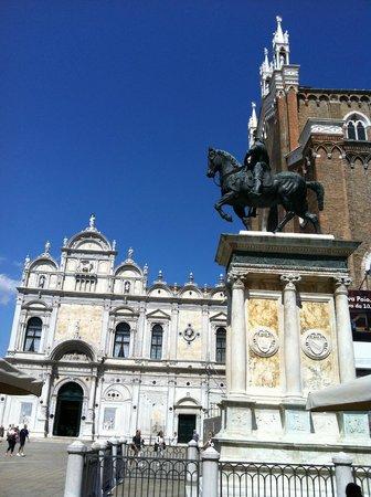 Basilica dei Santi Giovanni e Paolo (San Zanipolo): Scorcio dei Santi Giovanni e Paolo