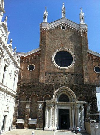 Basilica dei Santi Giovanni e Paolo (San Zanipolo): Facciata di Santi Giovanni e Paolo