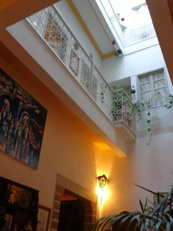Riad Al Zahia: patio