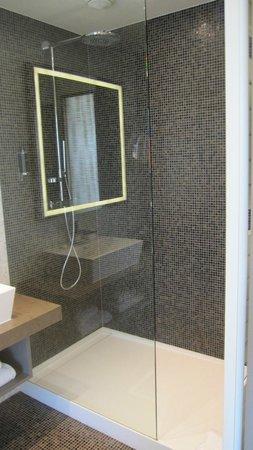 Resort Barrière Ribeauvillé : Salle d'eau