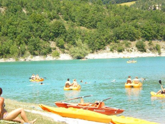 L di fiastra panorama foto di lago di fiastra fiastra - Lago pontini san piero in bagno ...