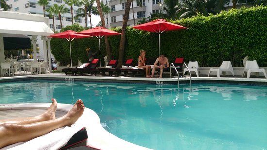 Red South Beach Hotel: Lovely pool and surrounds