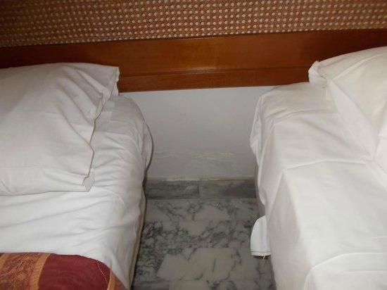 Hotel Kalliste: umidità nella camera per stare freschi