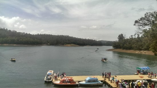 Pykara Lake and Pykara Falls: crowd can sometimes put you off the whole experience