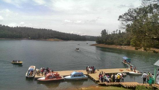 Pykara Lake and Pykara Falls: Boating and ferry service
