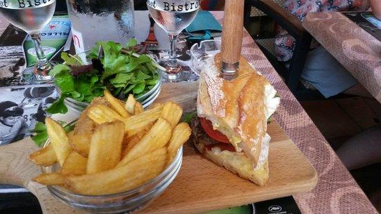A BOIRE A MANGER : L ' hamburger