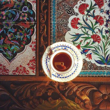 Hotel Bella: Tea on the terrace