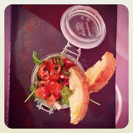 Tartare de canard à la coriandre et aux tomates confites chez Prao