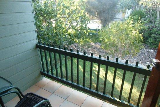 Baudin Beach, Australia: Piccoli e curati giardini