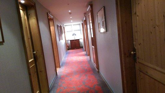 Le Parc Hotel Restaurant & Spa: Un couloir