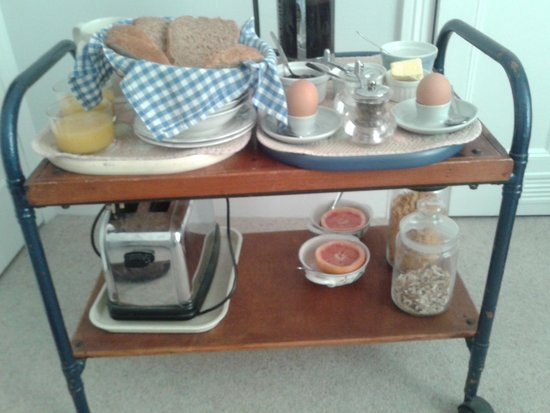 Coombe House: breakfast