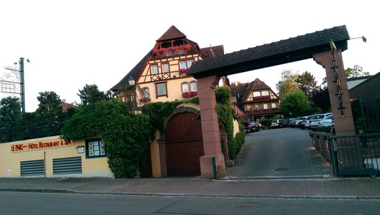 Le Parc Hotel Restaurant & Spa: l'Hotel, vue de la rue