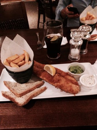 Premier Inn London County Hall Hotel: Fish and chips in hotel, very good.