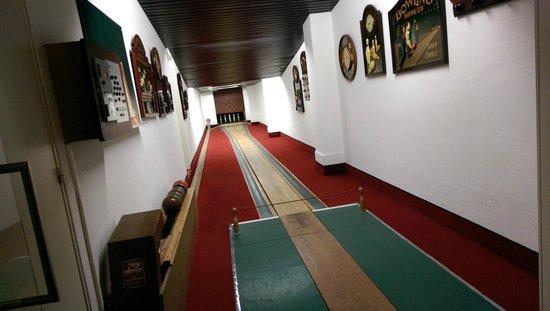 Le Parc Hotel Restaurant & Spa: Charmant petit bowling