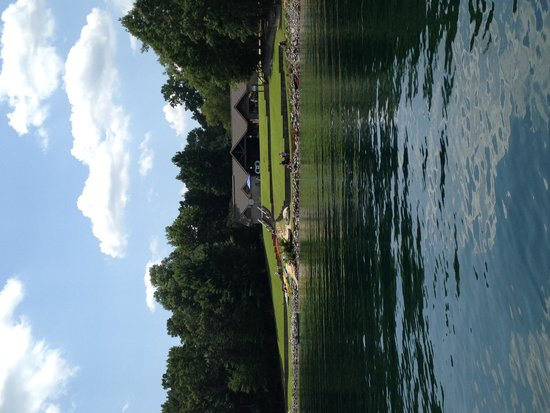 Devils Fork State Park: Public area water access and Eclectic Sun rentals