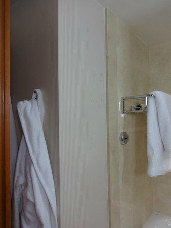 InterContinental Warszawa : Klotter på badrumsväggen