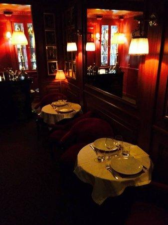 Maison Athénée : Inside Hotel Athenee
