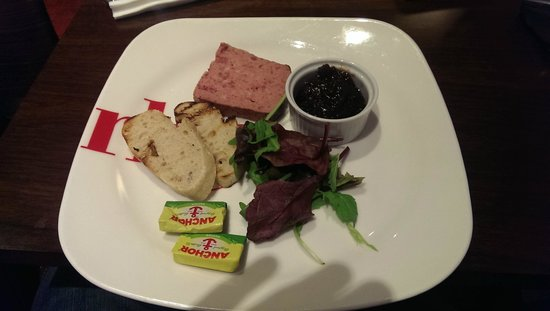Park Inn by Radisson Northampton: An incredibly poor value slab of Pate.