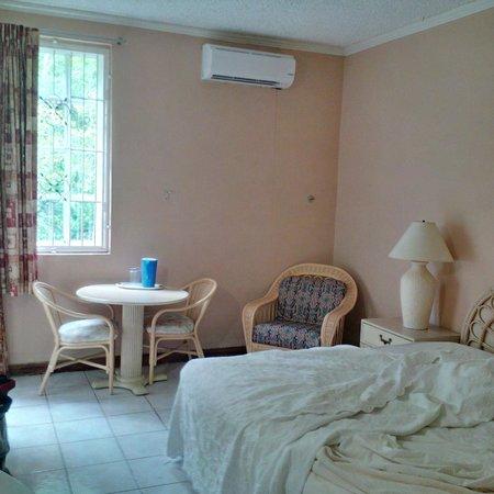 Auberge Seraphine: room