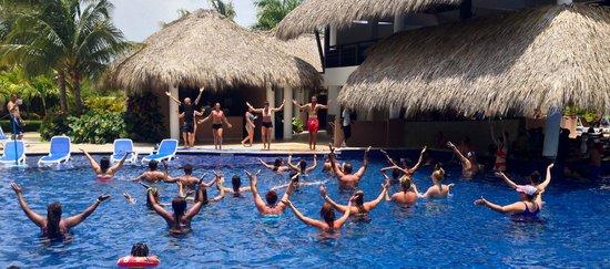 Memories Splash Punta Cana: Aqua Fit - so much fun!
