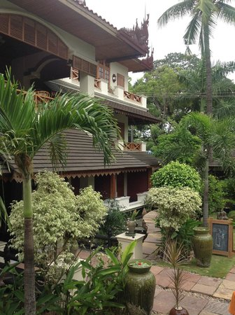 Hotel by the Red Canal, Mandalay : Part of the hotel