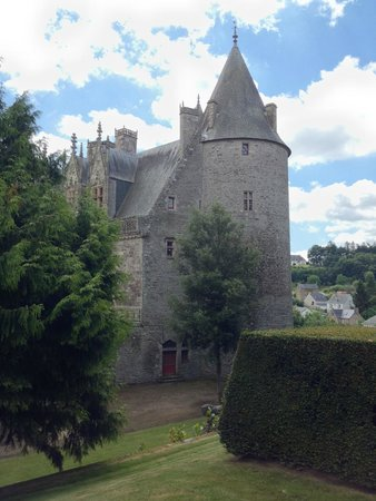 Chateau de Josselin: Chateau from inside the grounds