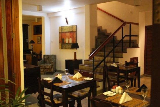 5th Lane House: Salle de restaurant