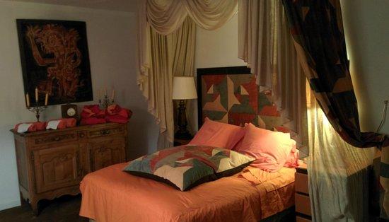 Hotel Pagy de Valbonne : Camera da letto