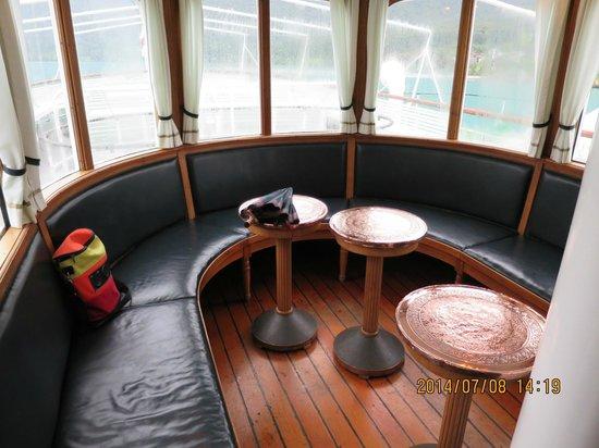 Brienzersee: 蒸気船の1Clラウンジ