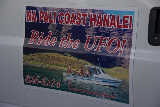 Napali Coast Hanalei Tours : The tour company sign on the van so you don't get confused