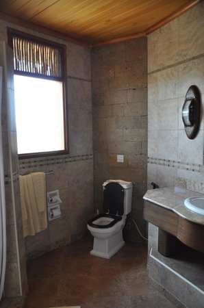 ‪‪Buffalo Springs Game Reserve‬, كينيا: Badkamer‬