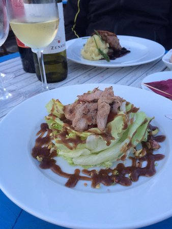 In Vino: Salat with duck