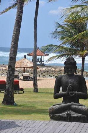 Club Med Bali: Beach from the main bar