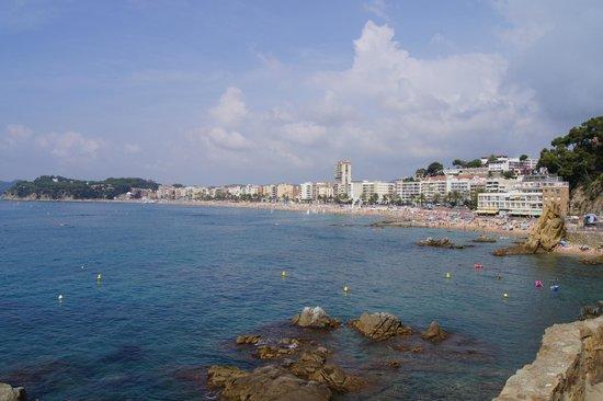 Lloret Beach : widok na panoramę Lloret de Mar