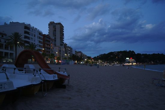 Lloret Beach : plaża nocą