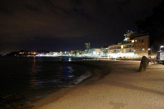 Lloret Beach: nocą
