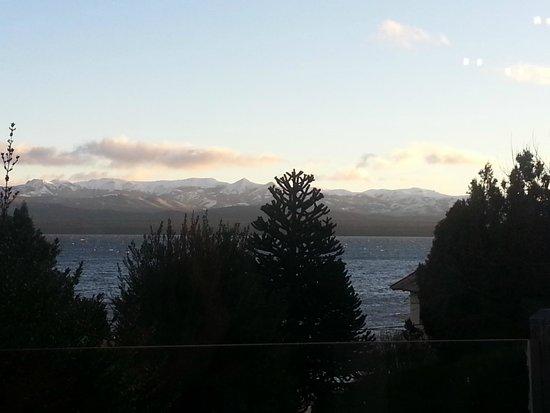 Hotel Tirol Bariloche: Vista da área do café da manhã