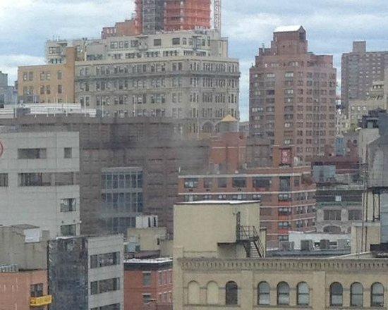 Comfort Inn Manhattan Bridge : room view from 11th floor