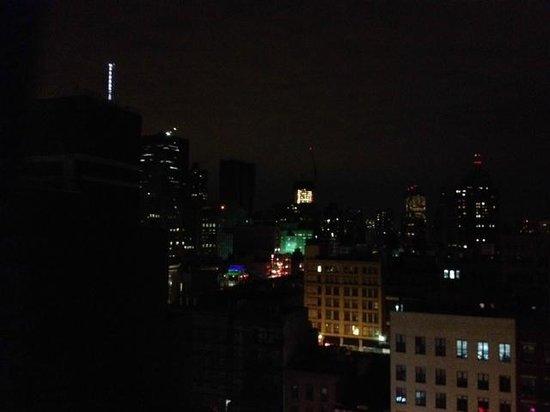 Comfort Inn Manhattan Bridge : Night view from 11th floor