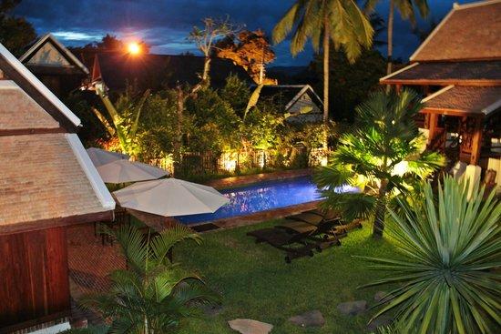 Villa Maydou : The pool at night