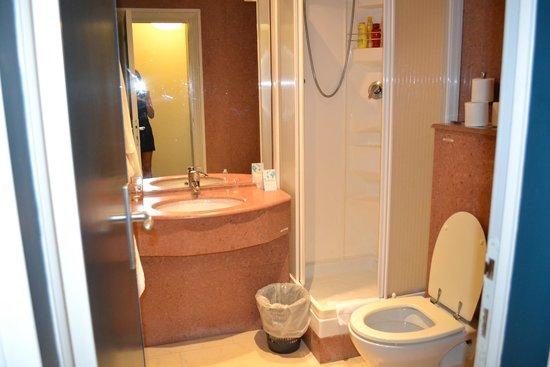 Ortano Mare Village - TH Resorts: Il Bagno della stanza
