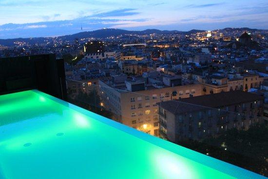 Andante: Accès à la piscine jusqu'à 23h