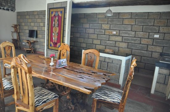 Cottage eetkamer - Picture of Naivasha Kongoni Lodge, Naivasha ...