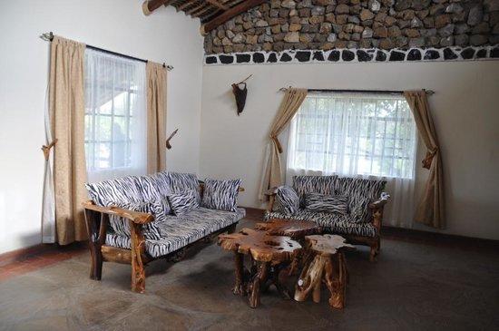 Cottage eetkamer - Picture of Naivasha Kongoni Lodge, Naivasha ...