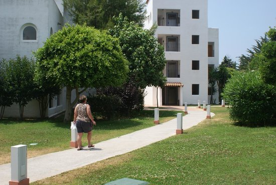 Club Marmara Marbella : allée pour aller a notre chambre
