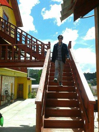 Cabanas Claro de Luna: Escaleras por fuera de las cabañas