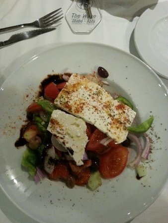 The Wave : greek salad