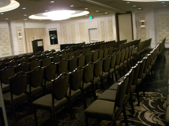 Eden Resort and Suites, BW Premier Collection: A Large Conference Room