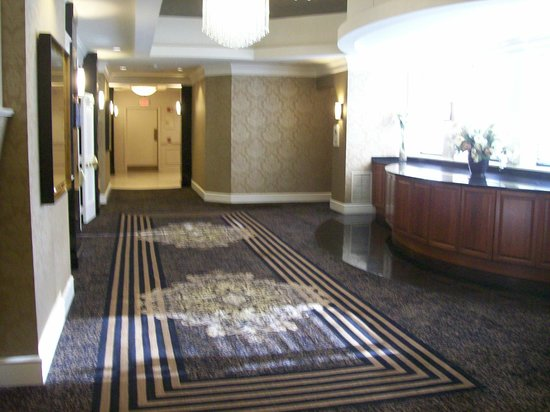 Eden Resort and Suites, BW Premier Collection: Interior Corridor To Large Conference Rooms