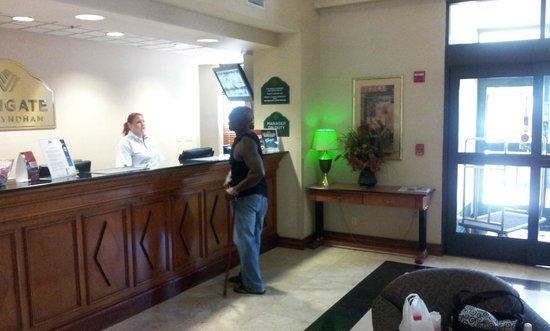Wingate by Wyndham Dallas Love Field: Reception Area